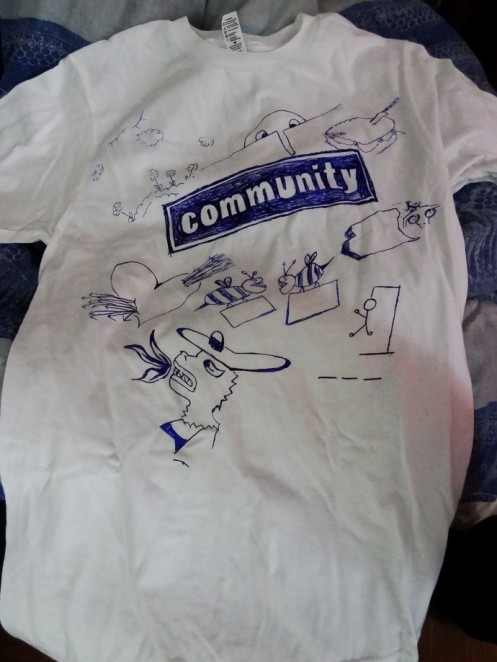 Community - [Geekerie] T-shirt Community dsc00010 e1336220579442